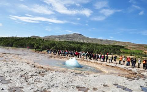 Gejsern Strokkur på Island