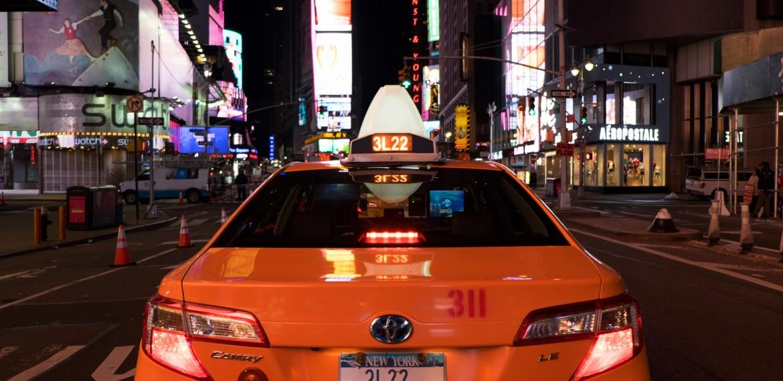 Taxi vid Times Square i New York, USA