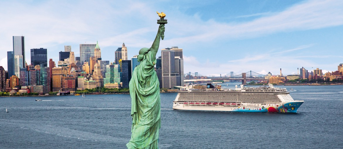 Norwegian Breakaway i New Yorks hamn