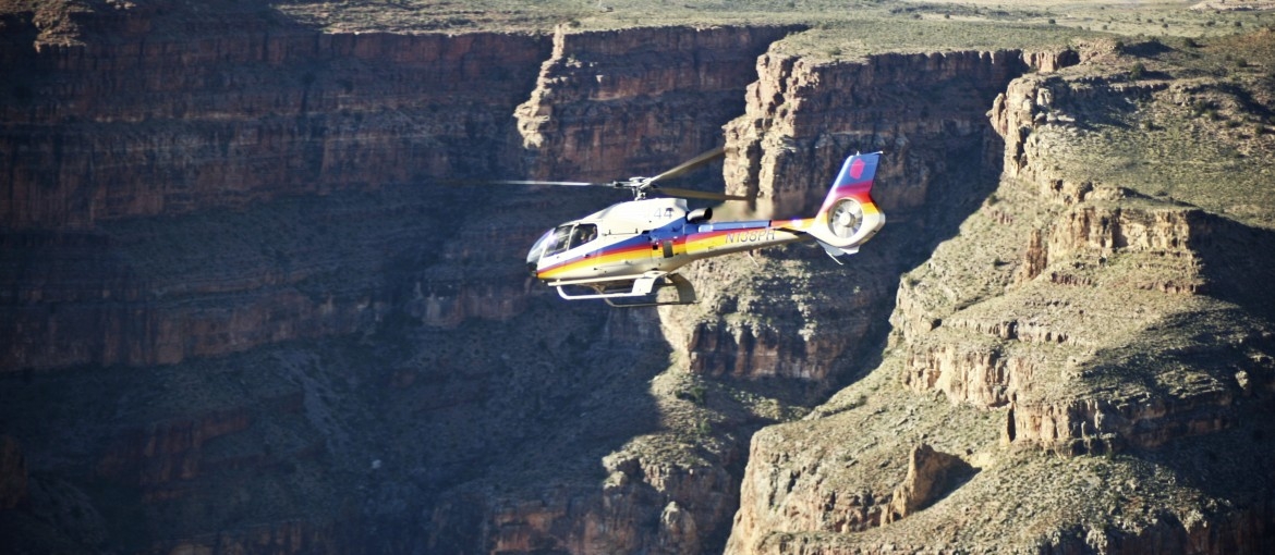Flyg med helikopter över Grand Canyon, USA