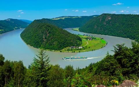 Flodkryssning på Donau