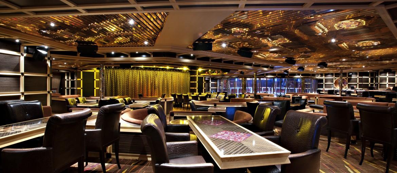Ebony Lounge ombord på kryssning med Carnival Glory