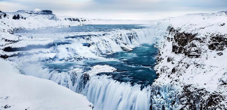 Gullfoss i vinterskrud på Island