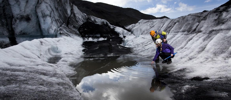 Glaciärvandra på Solheimajökull på Island
