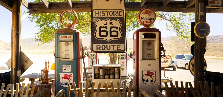 Gammal bensinstation längs Route 66