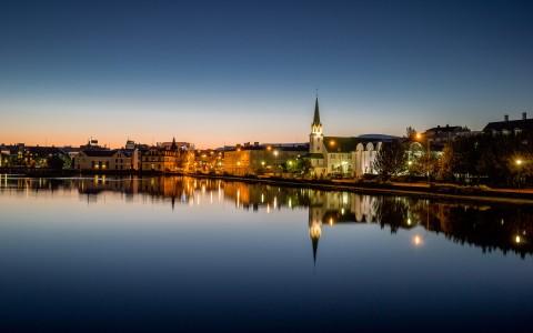 Vacker kväll i Reykjavik, Island