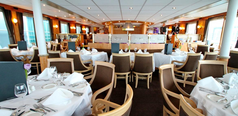 Restaurang ombord på River Navigator