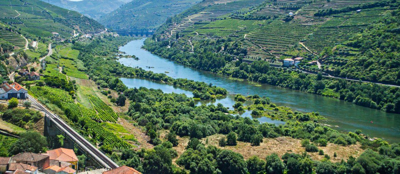 Dourodalen med vinodlingar och små byar