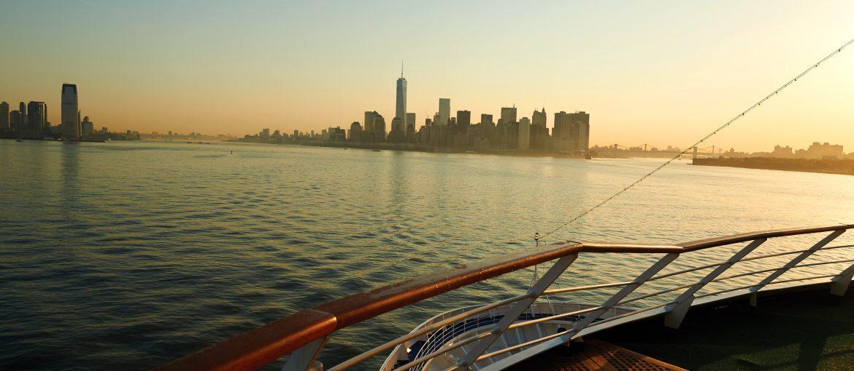 Silver Whisper på väg in till New York, USA